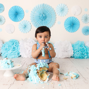 A Guide to doing your Little Ones Cake Smash at Home during the Covid-19 Outbreak