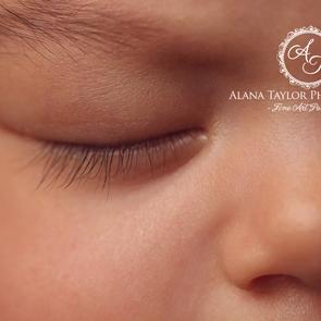 Capturing Your Newborns First Weeks
