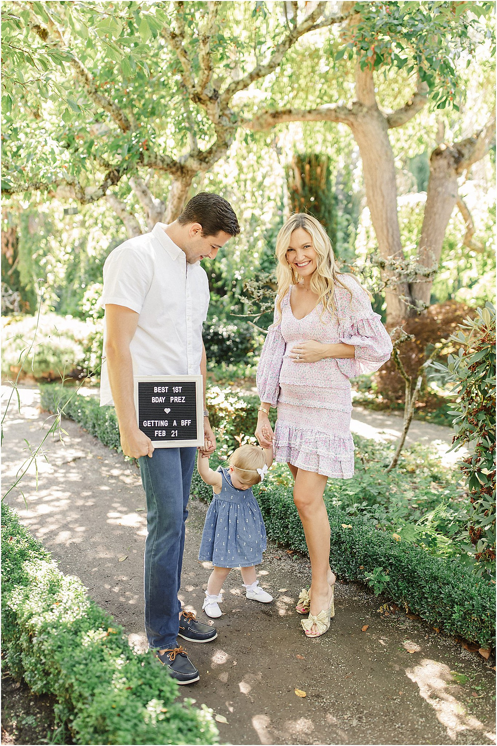 South bay maternity session at Fioli Gardens. Bright timeless lifestyle editorial natural photography by San Francisco Bay Area photographer Torrey Fox
