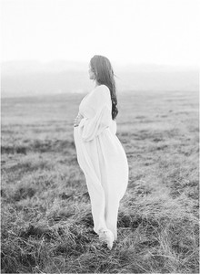 Marin Maternity Session in the hills of Tiburon