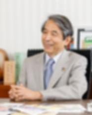 槇野学長.jpg