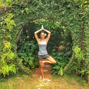 Sarka Apperloo Tree Pose