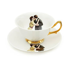 Melody-Rose-Kissing-Couple-teacup1.jpg