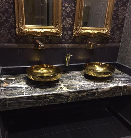 Golden Night Banyo Tasarımı