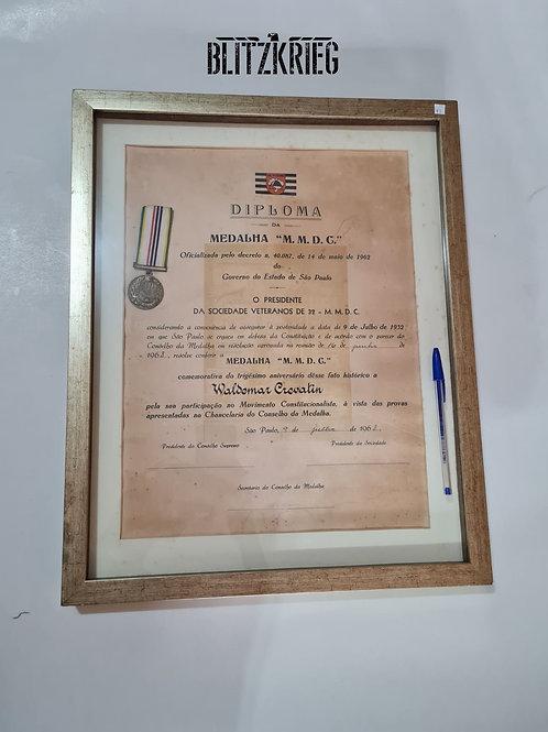 Quadro com Medalha e documentoMMDC