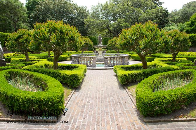 Lindsay & Phillip {elizabethan gardens wedding}