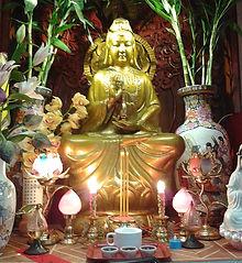 Alt-statue de Guan Yin à Notre Dame de Chine