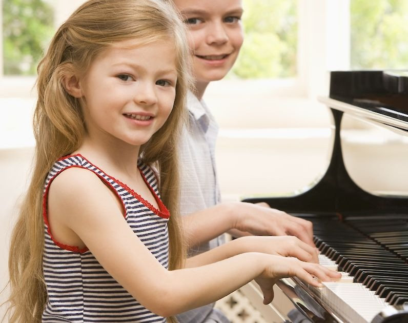 Piano Lessons with Cindy $50