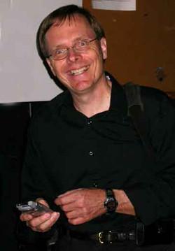 Robert Knetsch - Bass