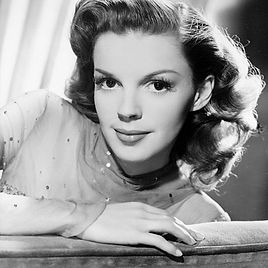 Judy_Garland_The_Harvey_Girls_MGM_Public