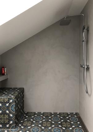 Designbad - Dusche in Betonoptik - fugen