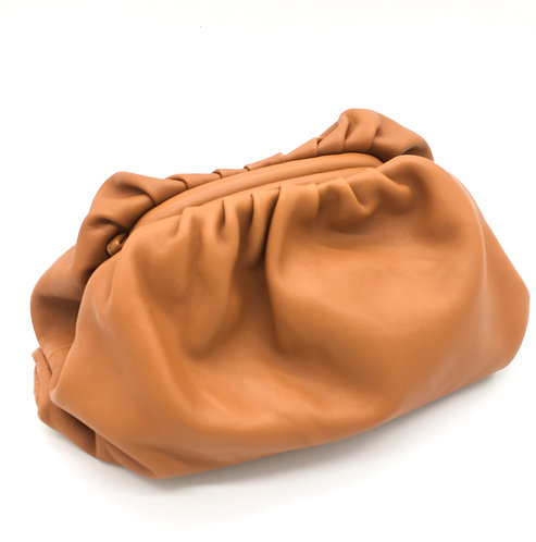 pounch inspiration bag in camel