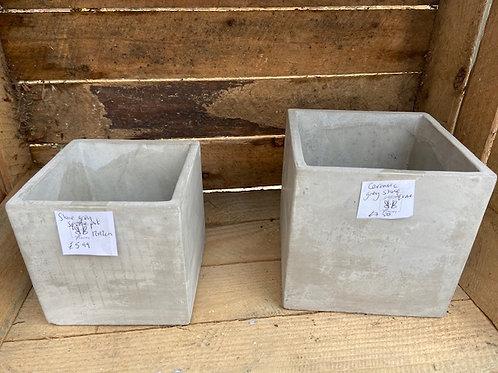 Square concrete pot in grey