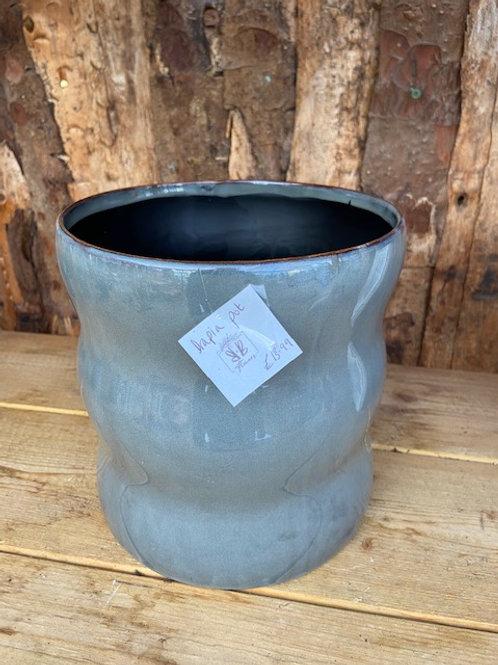 Large bubbled pot