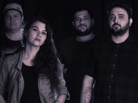 Banda Genomma apresenta nova baterista e lança o seu próprio podcast