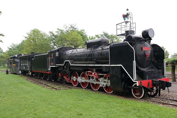 ソ連国鉄 D51-27