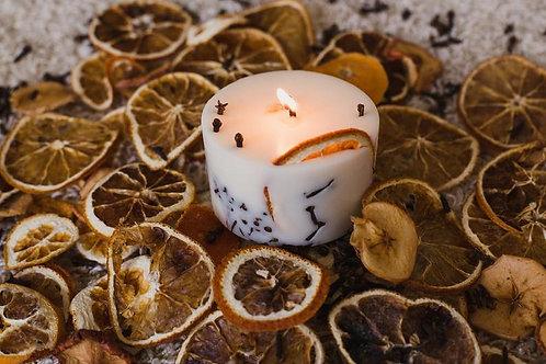 """Svētki"" rapšu vaska svece"