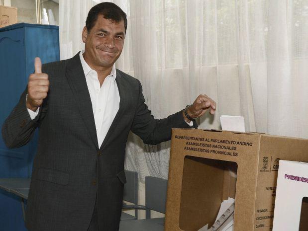 correa votando.jpg