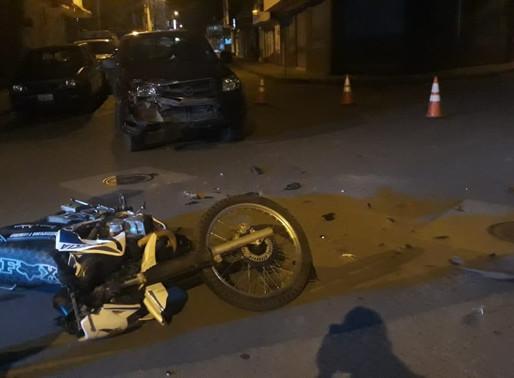 GUALAQUIZA:  POLICÍA QUE VIGILABA CUMPLIMENTO DE TOQUE DE QUEDA, GRAVEMENTE ATROPELLADO