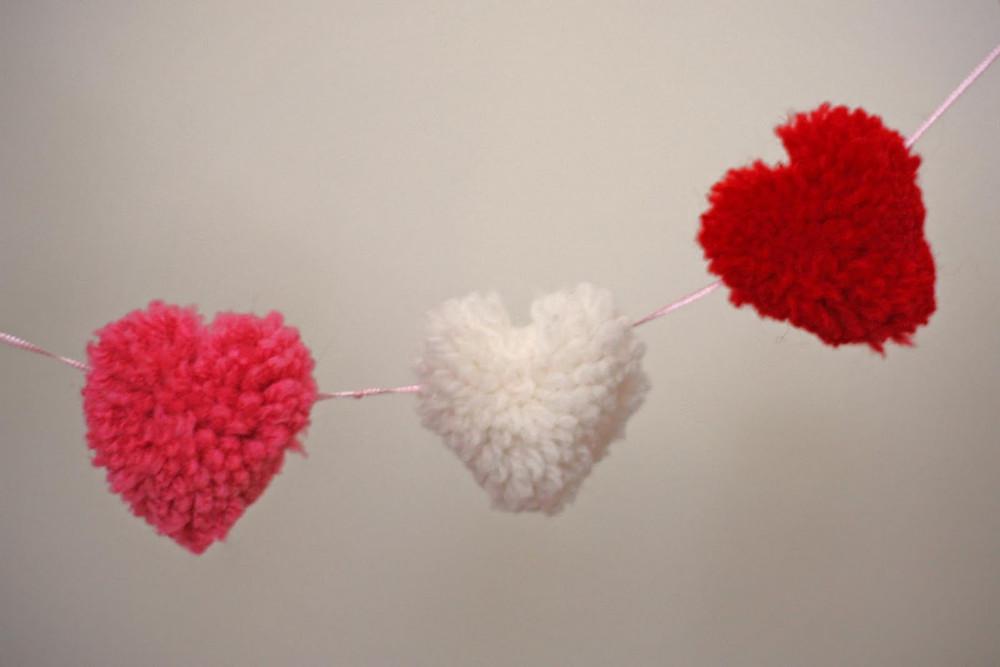 pom pom heart.jpg