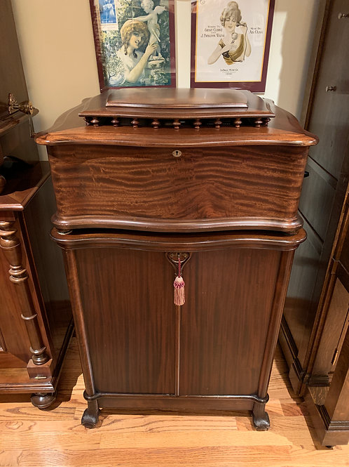 "Reginaphone 20-3/4"" Mahogany + Base Cabinet, Turntable, and Nickel horn"