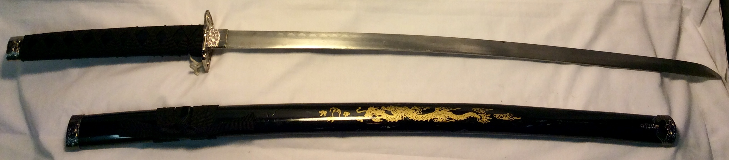 Wakizashi with black saya/ dragon