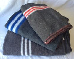 Various paramedic wool blankets. Various sizes