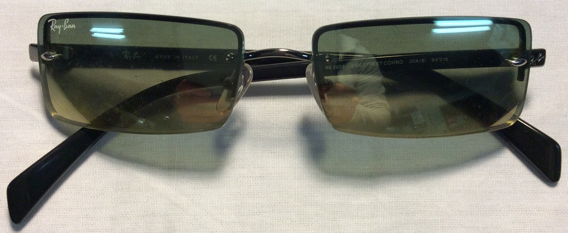 Ray-Ban Black plastic ends