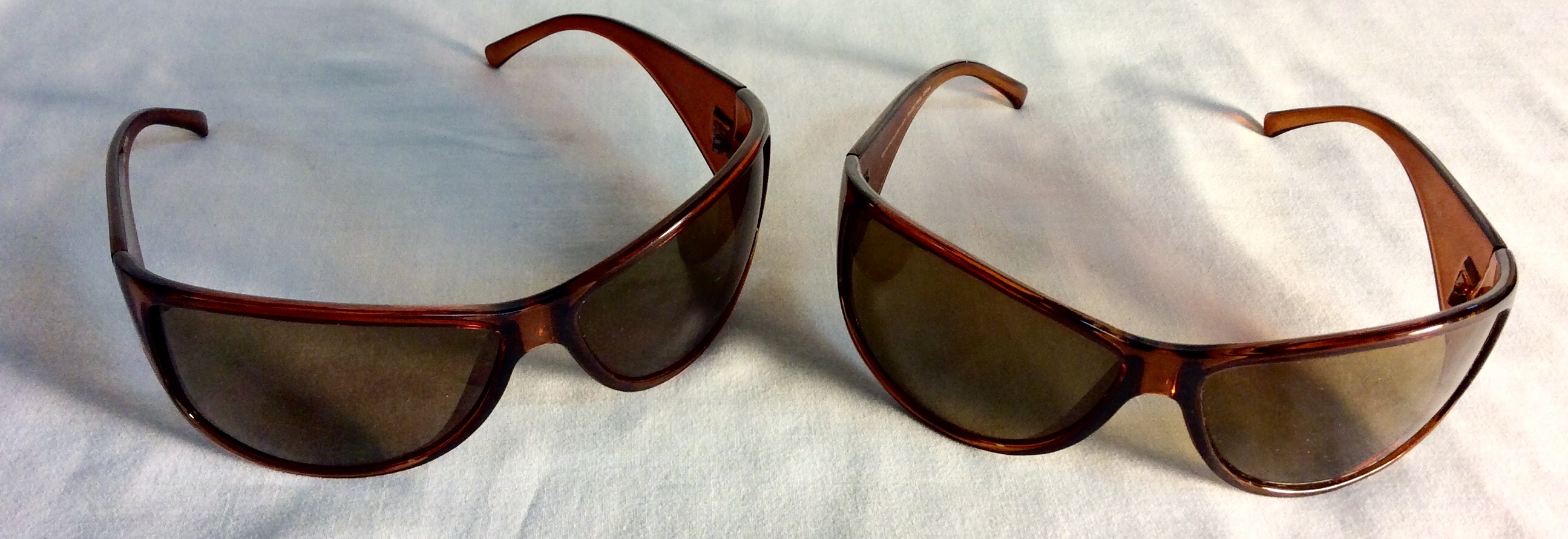 Light brown plastic sunglasses