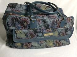 JORDACHE Carpet Bag