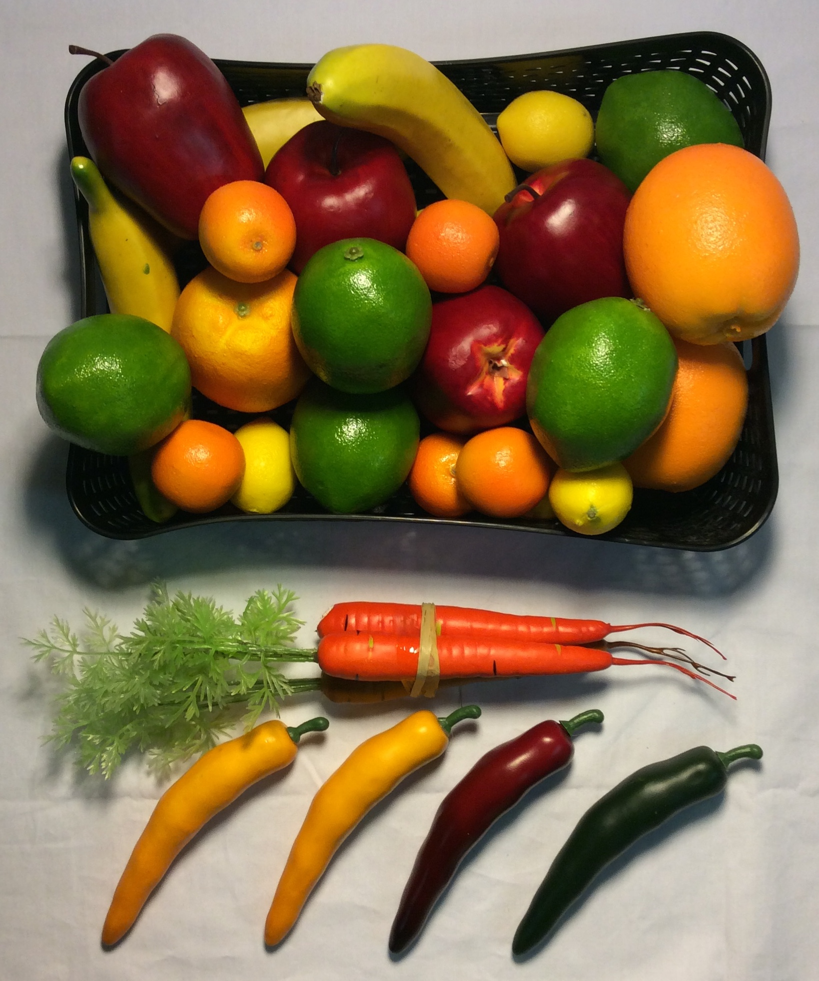 Misc. plastic fruit & veggies