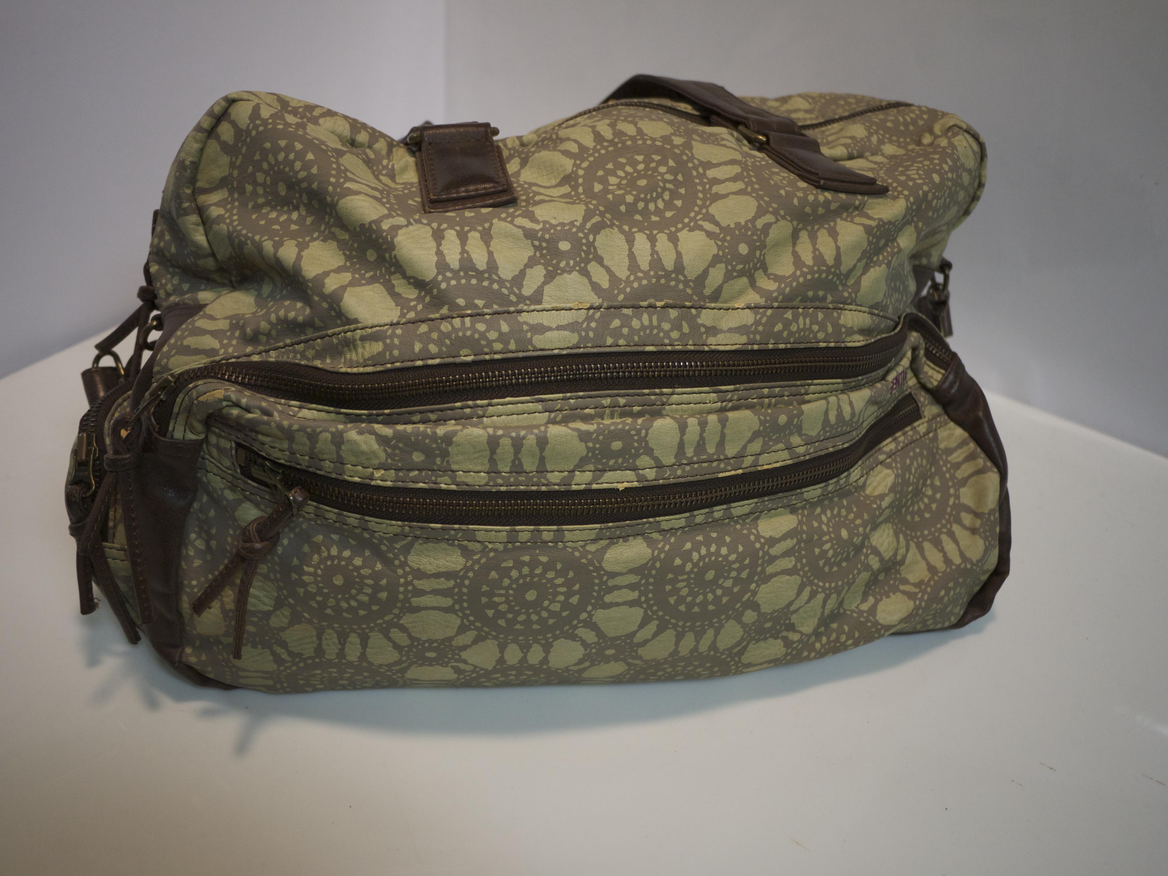 Patterned travel bag