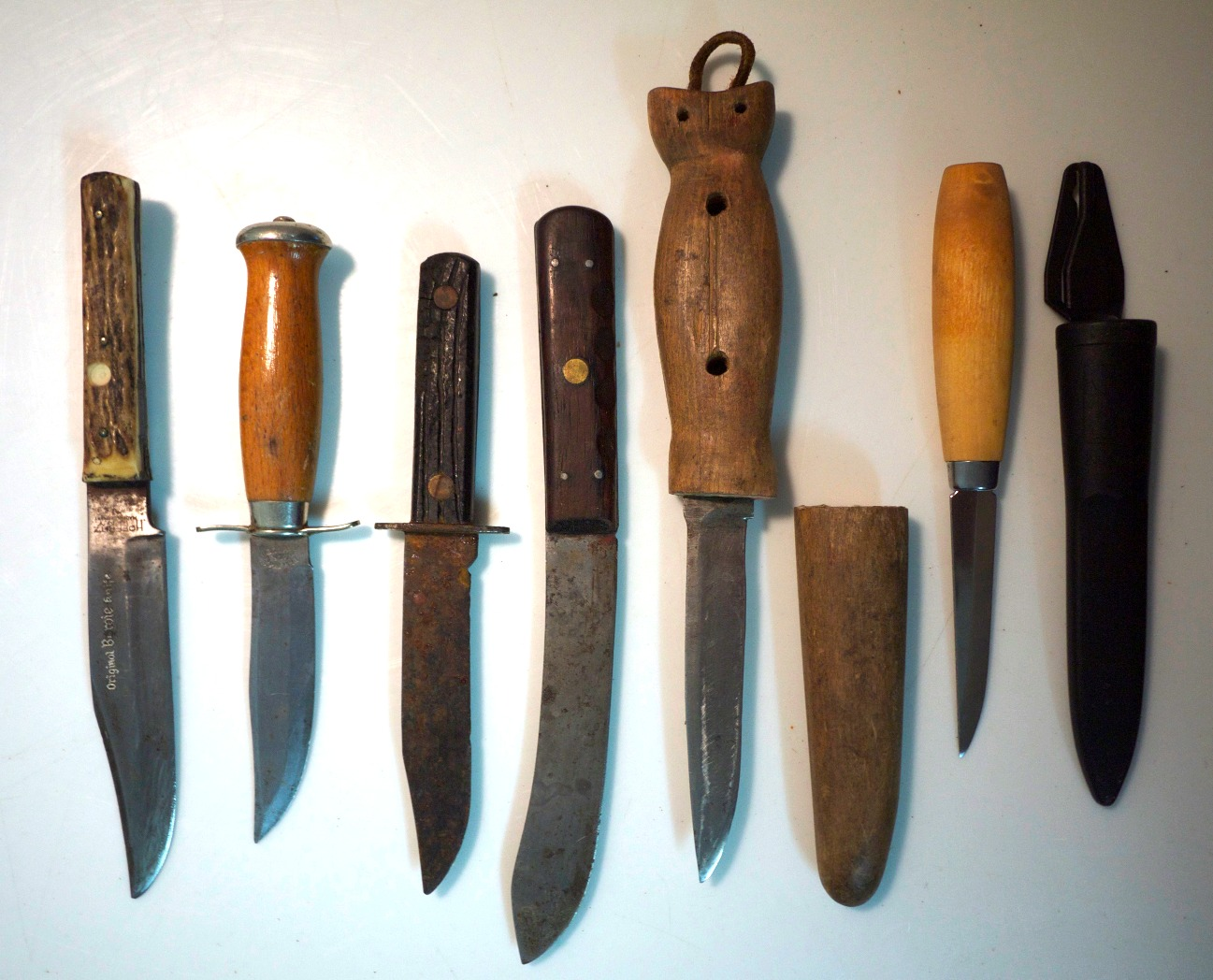 Assorted Rusty Knives