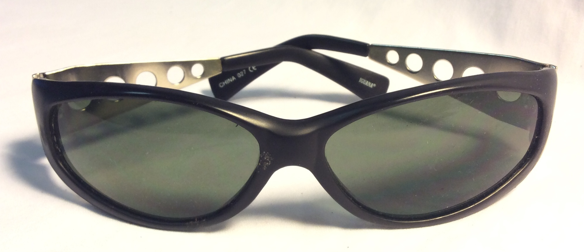 "Black ""Iguana"" Sunglasses w/ silver"