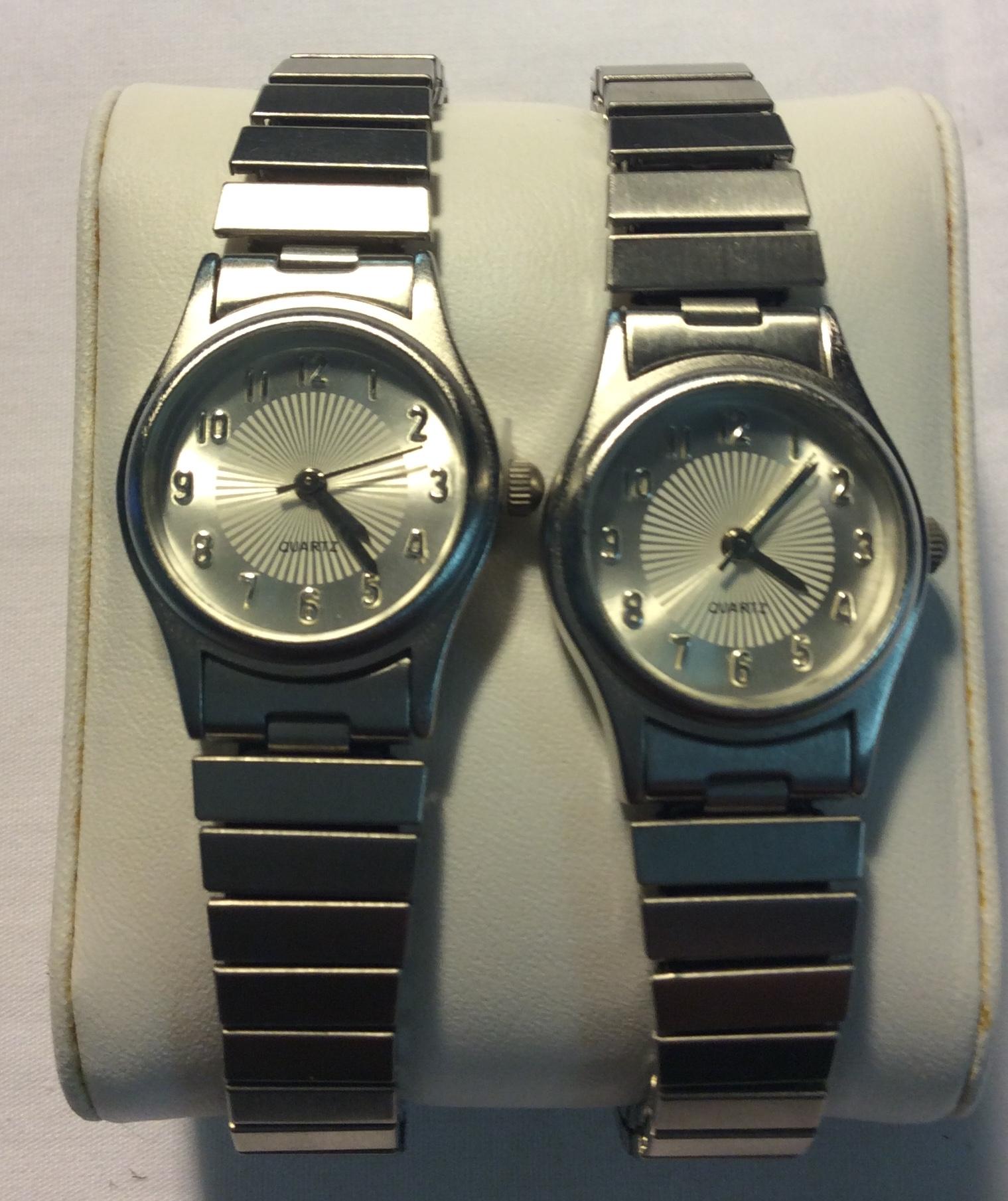 Quartz watch - round silver face