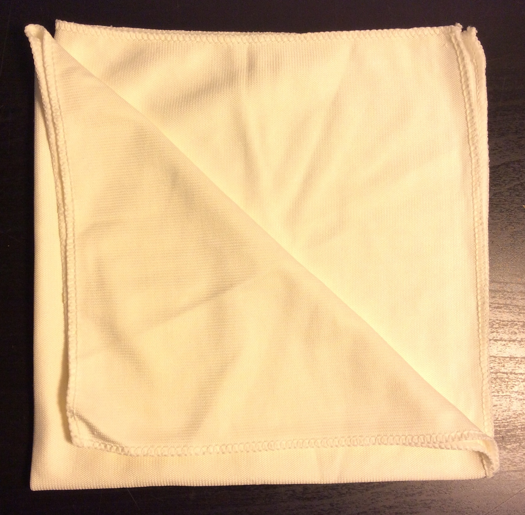 "Shiny cream cloth napkins 17""x15"" - x9"