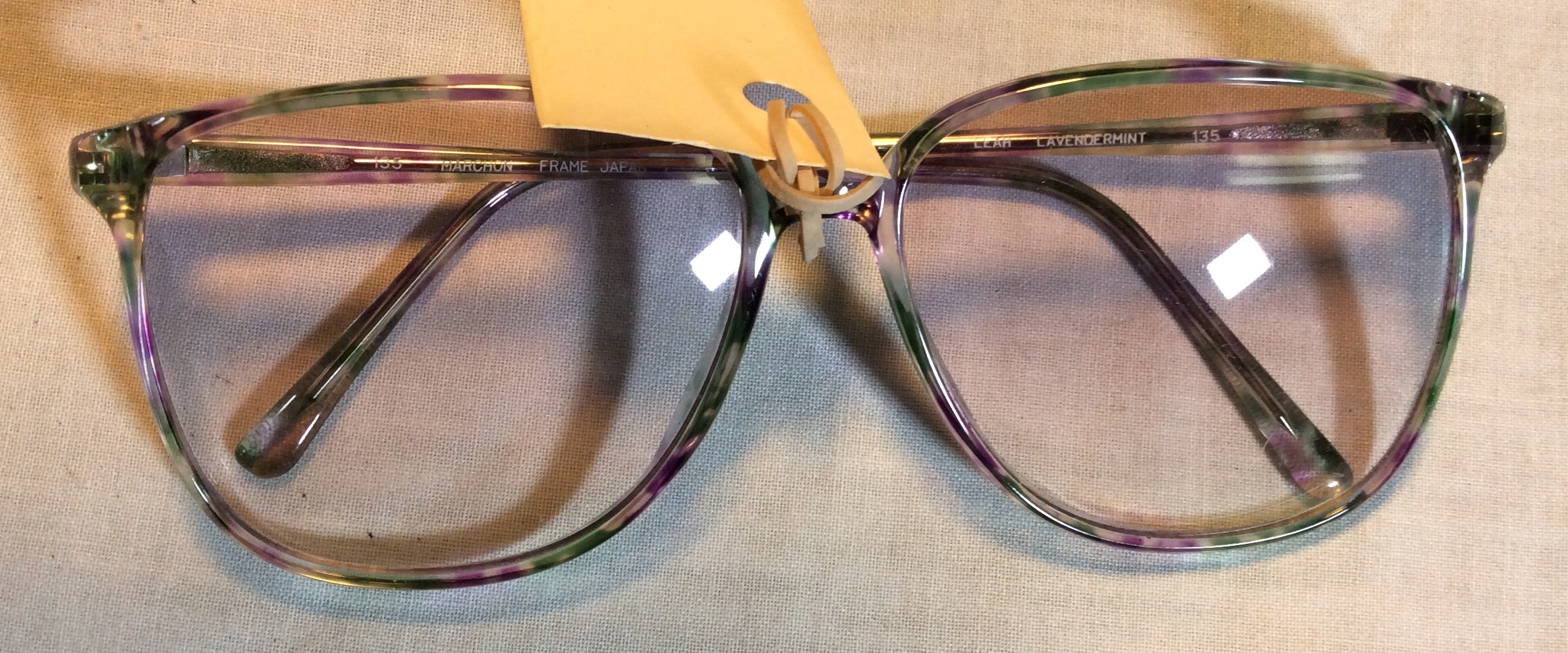 Period eyeglasses with one cracked