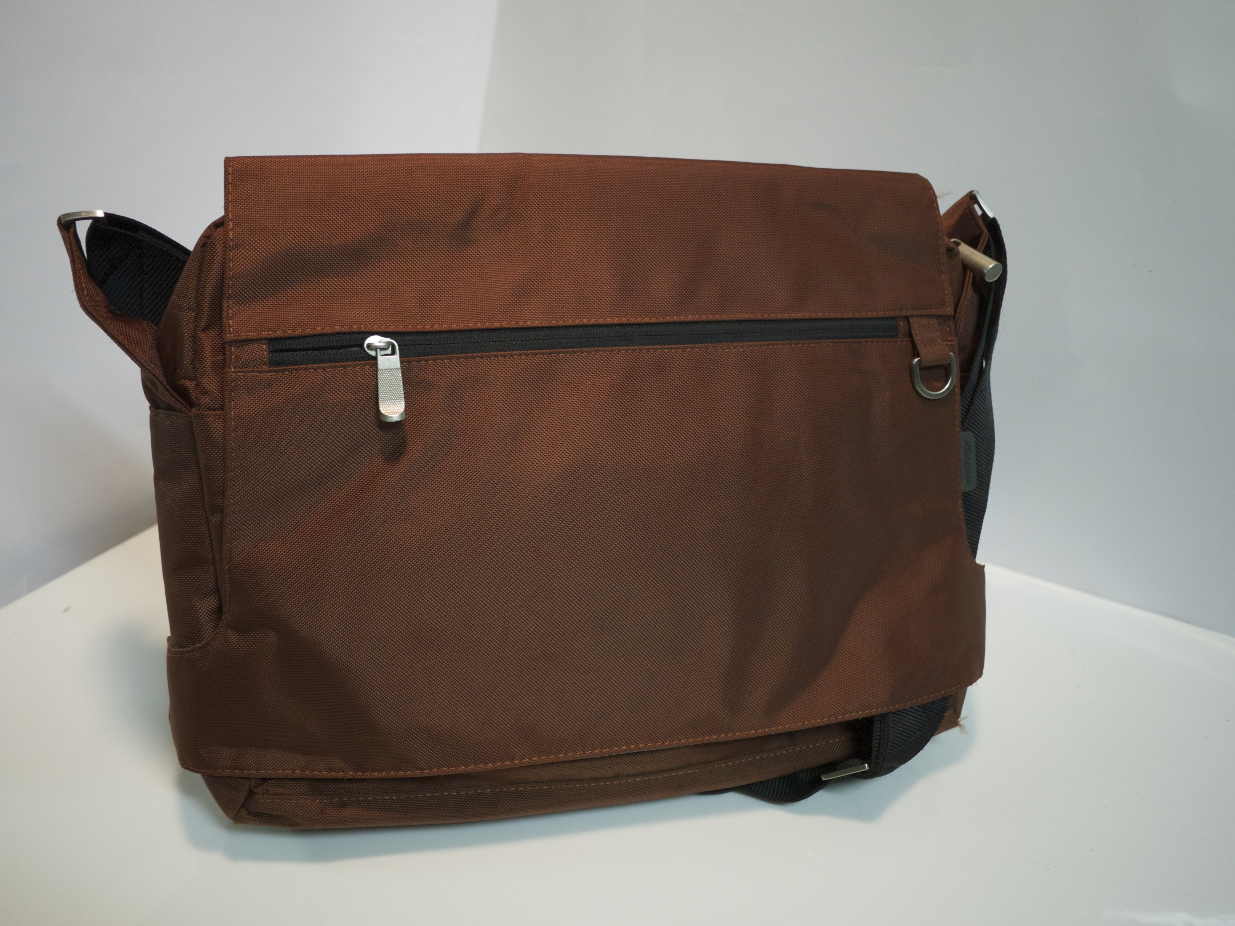 Toasted red laptop bag