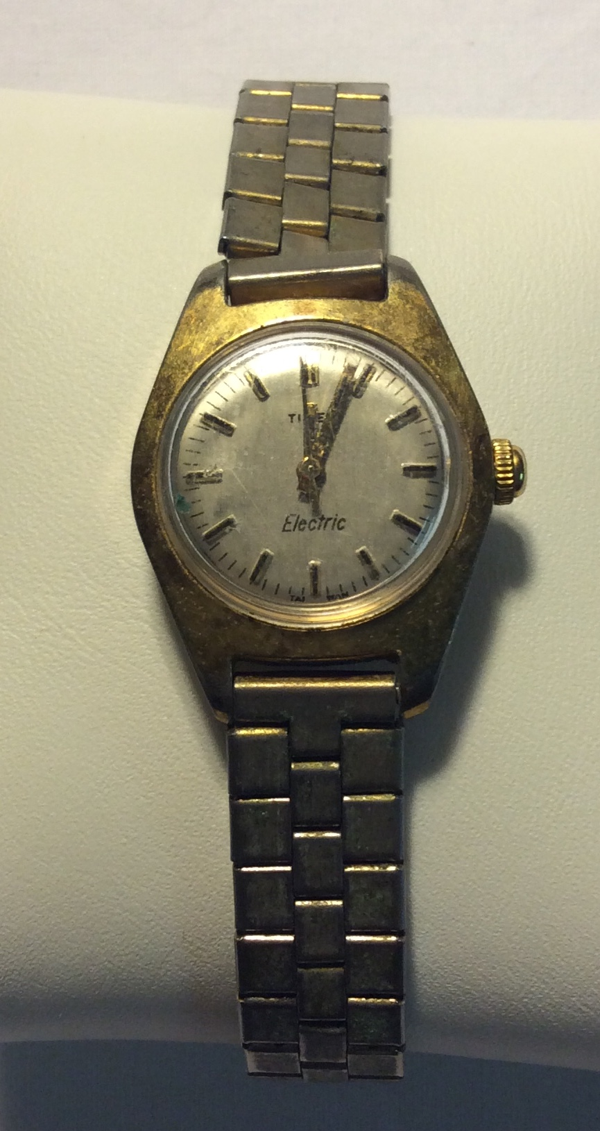 Timex watch - round pearl face