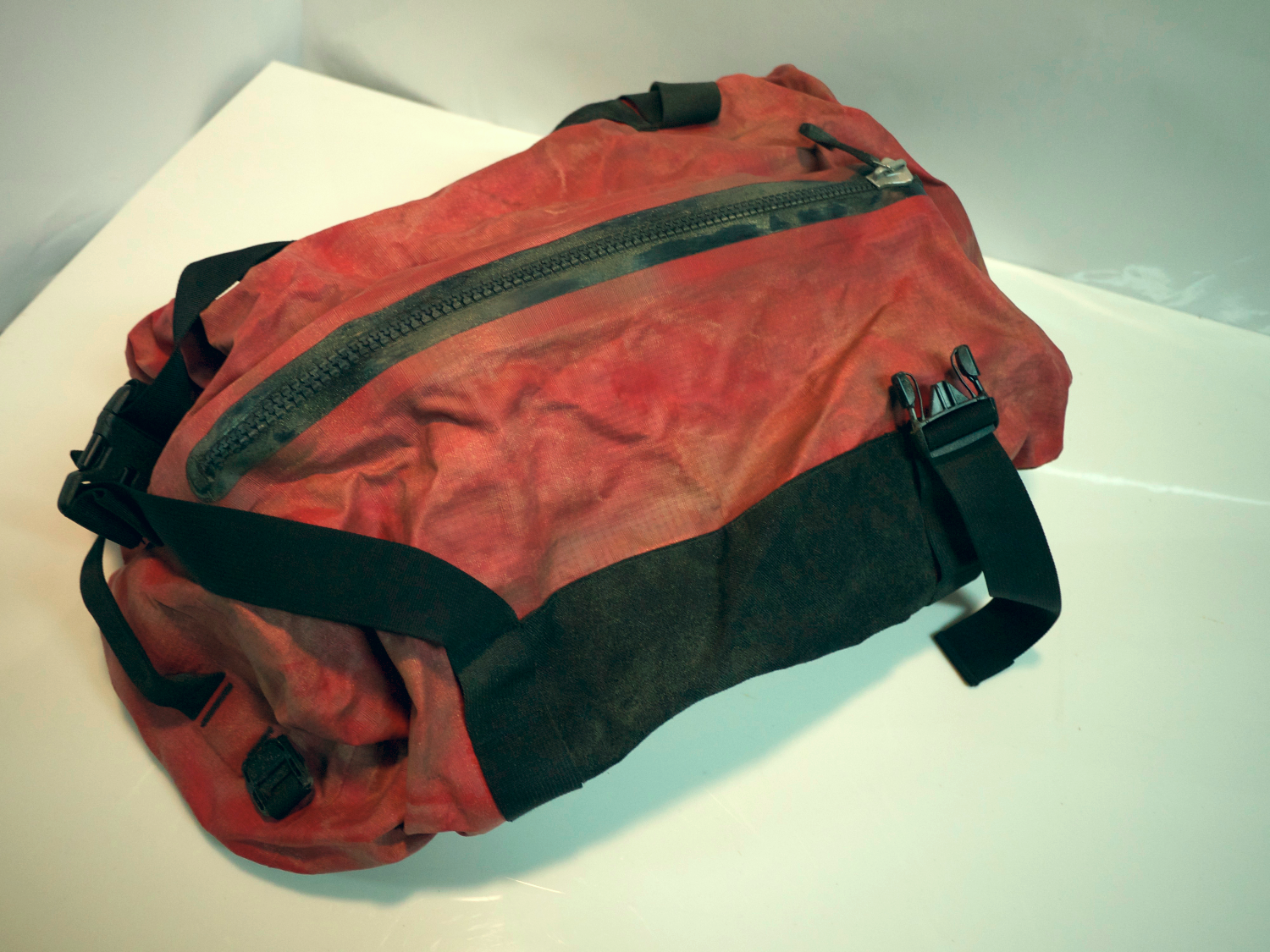 Red duffle bag (rescue)