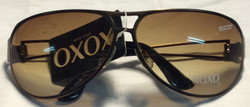 XOXO Brass metal frames, open space