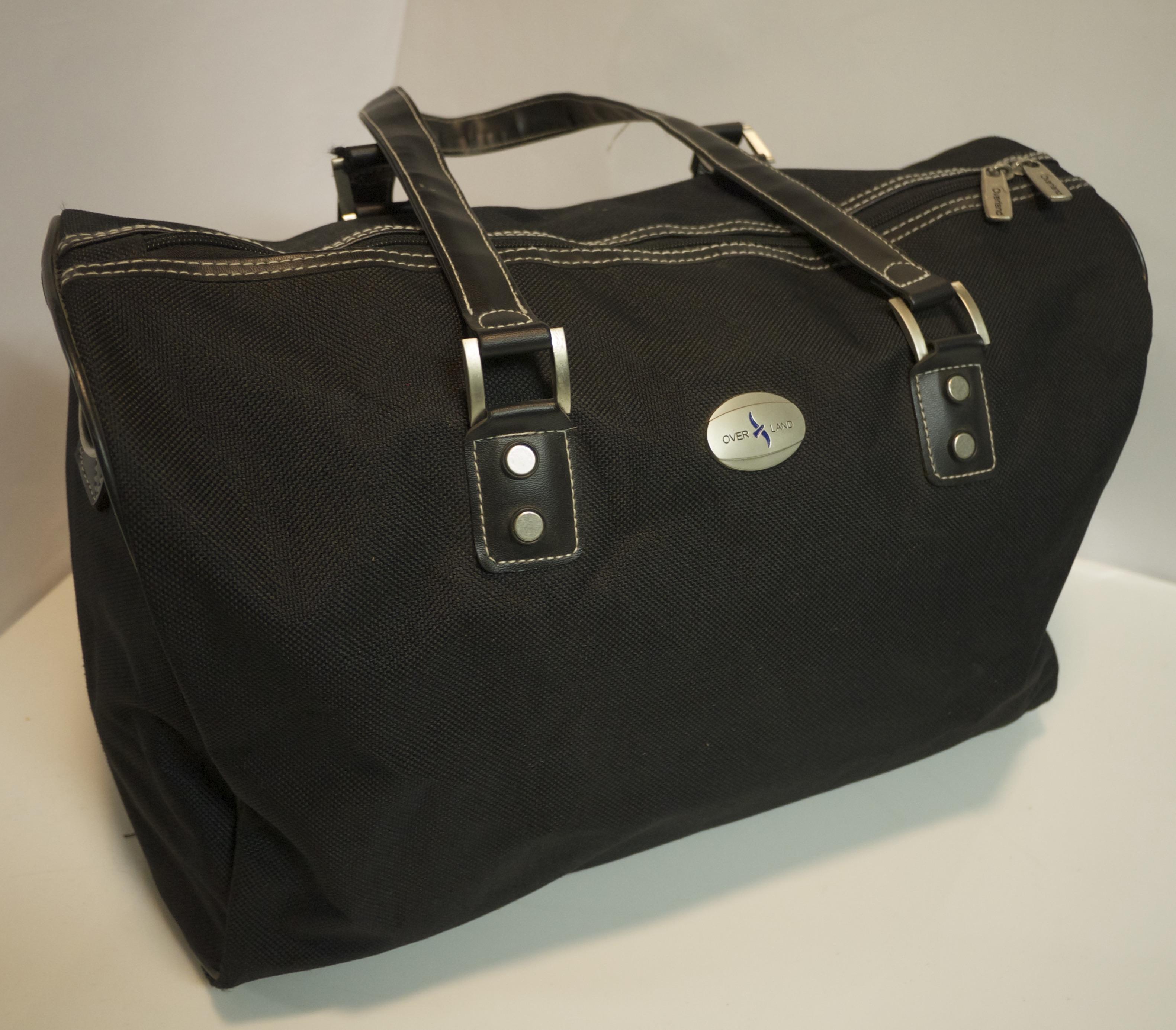 Med/Lg black travel bag