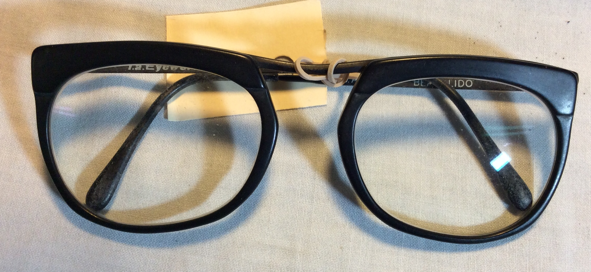 Black glasses Period l.a Eyeworks