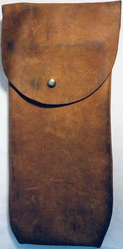 Western pouch for horse saddle