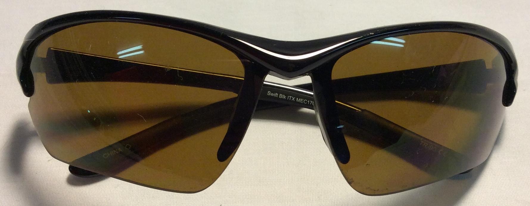 MEC Black plastic frames, grey