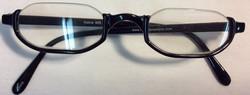 Reading glasses with half frame in black