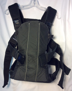 Baby Bjorn Black fabric front-style