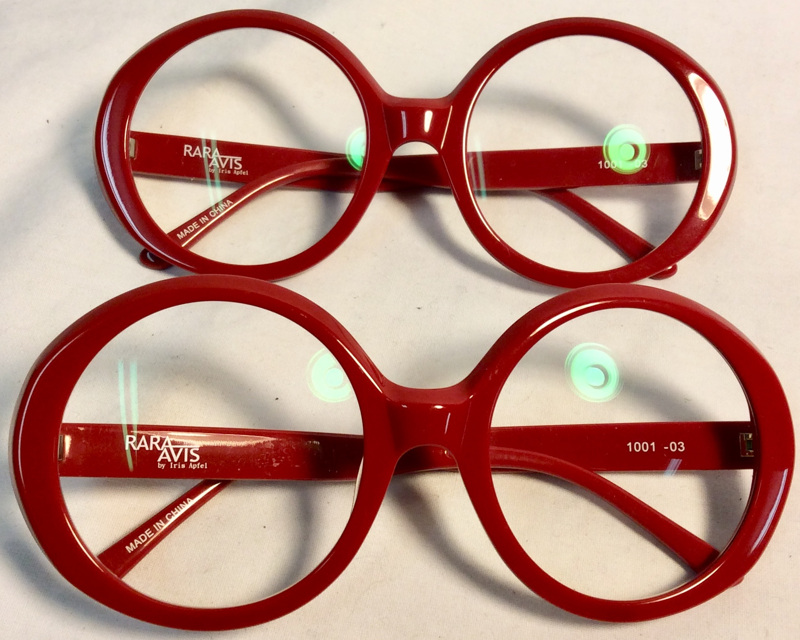 ALR - Rara Avis eyeglasses with bog, round and red plastic frame
