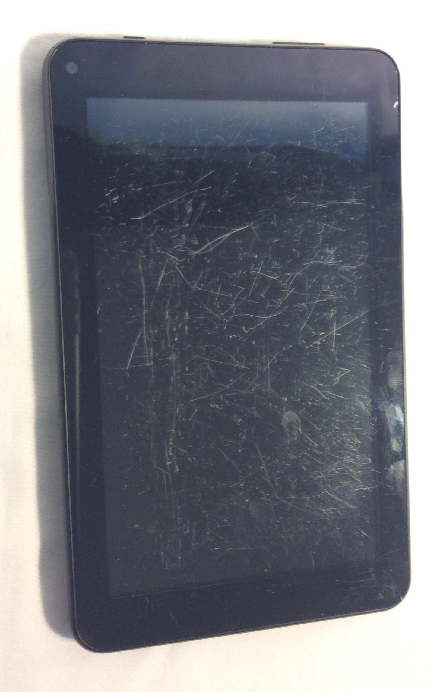 Digiland Tablet, scratched screen