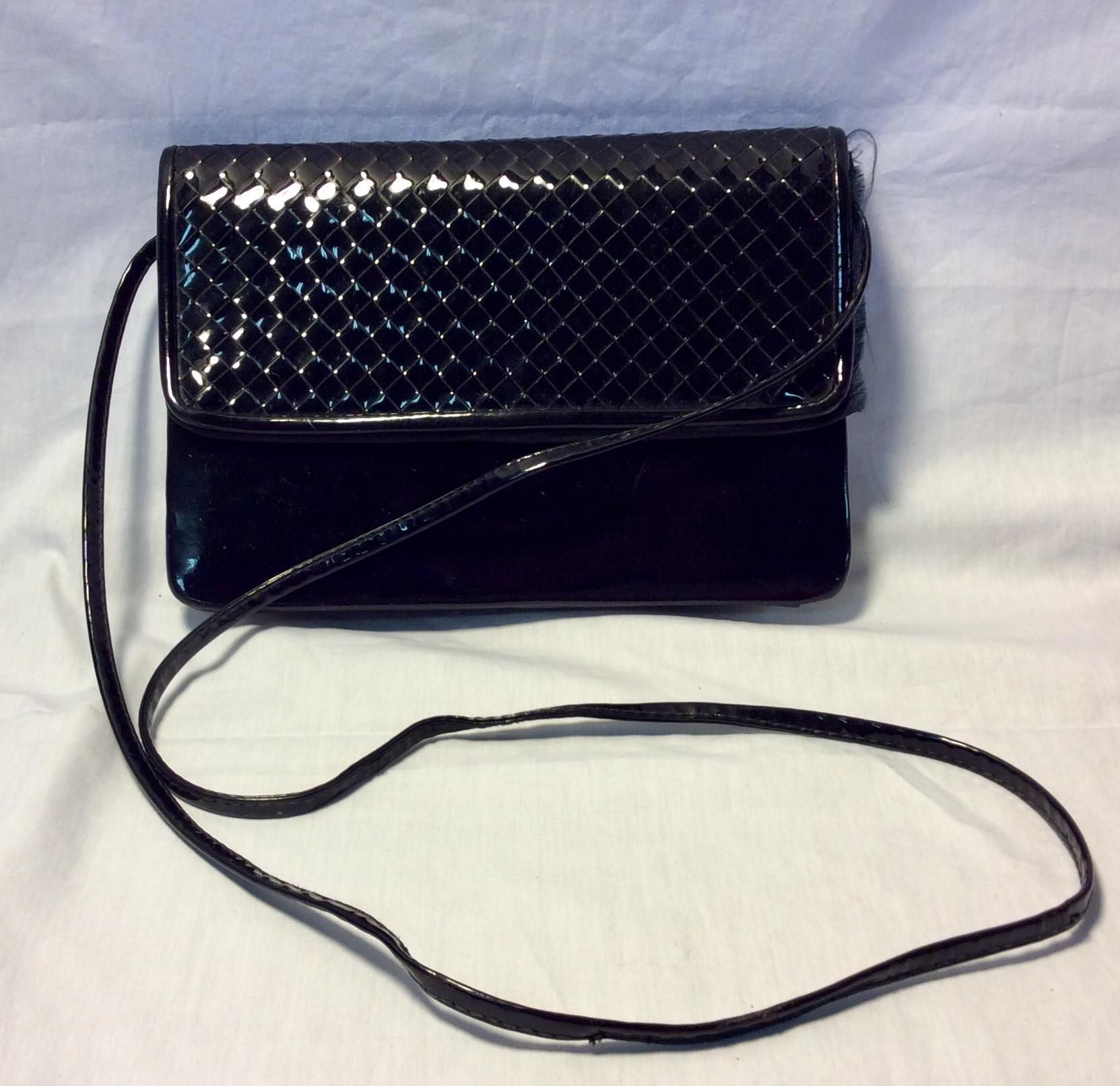 Shiny black pleather purse